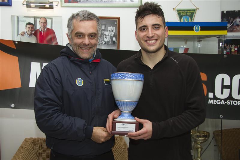Rocco Tilotta Premia il Vincitore Alberto Meduri